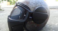 Le casque Caberg Ghost avec masque.