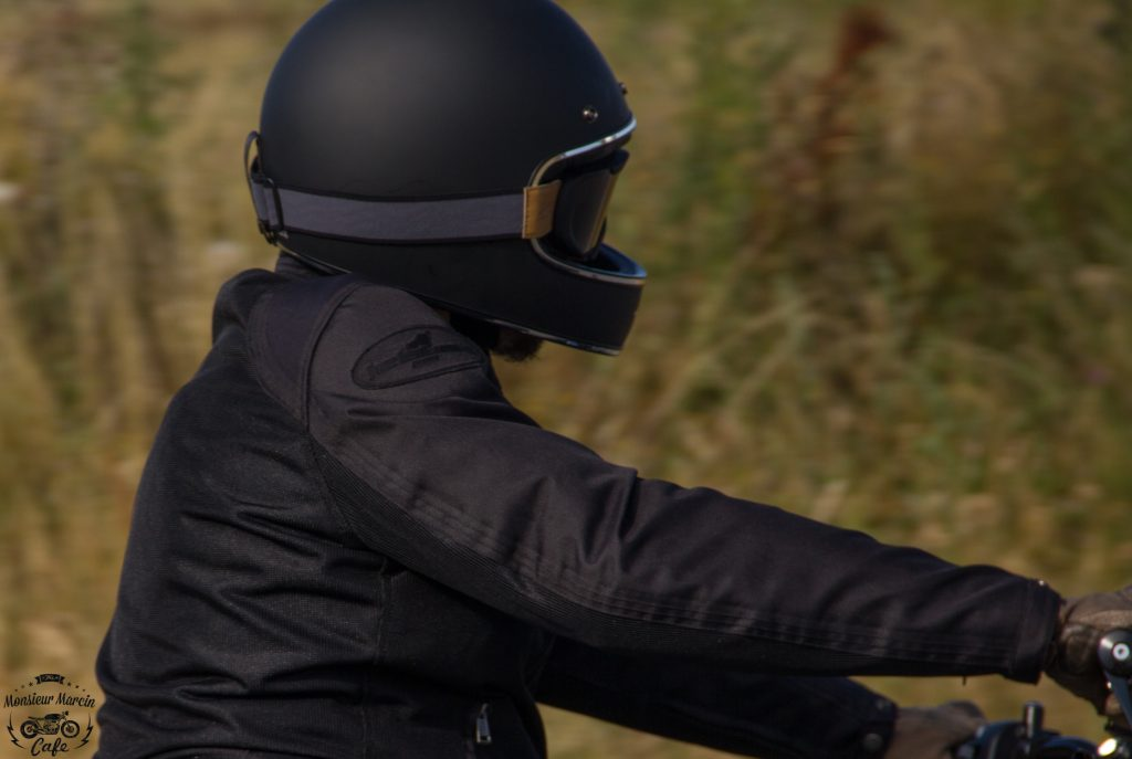Le casque Dexter Marty, idéal pour rouler sur les routes de campagne