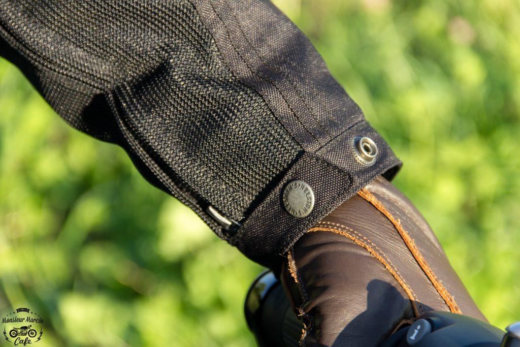 Les manches sont équipées d'un zip et d'une patte pression sur le blouson Helstons Modelo Mesh