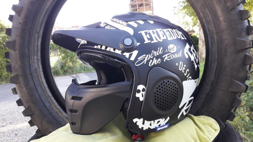 Le masque du casque jet SharkX-Drak, est bien fourni avec le casque !