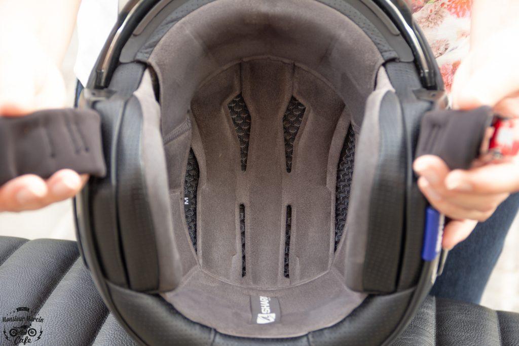 Confortable, le revêtement intérieur du casque Shark S-Drak