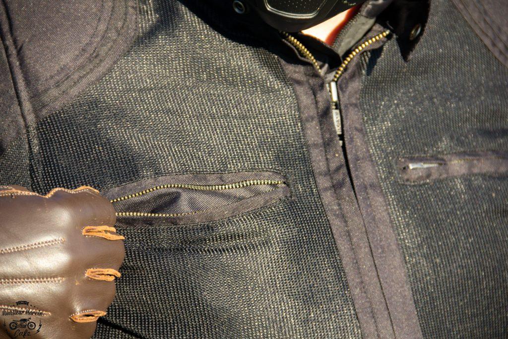 Deux poches sur le torse du blouson Helstons Modelo Mesh