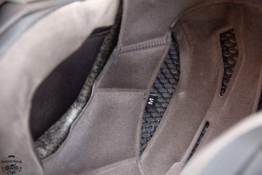 Les détails intérieurs du casque Shark S-Drak