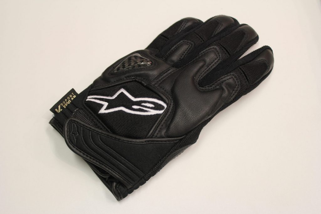 Ce gant Alpinestars est renforcé de Kevlar®