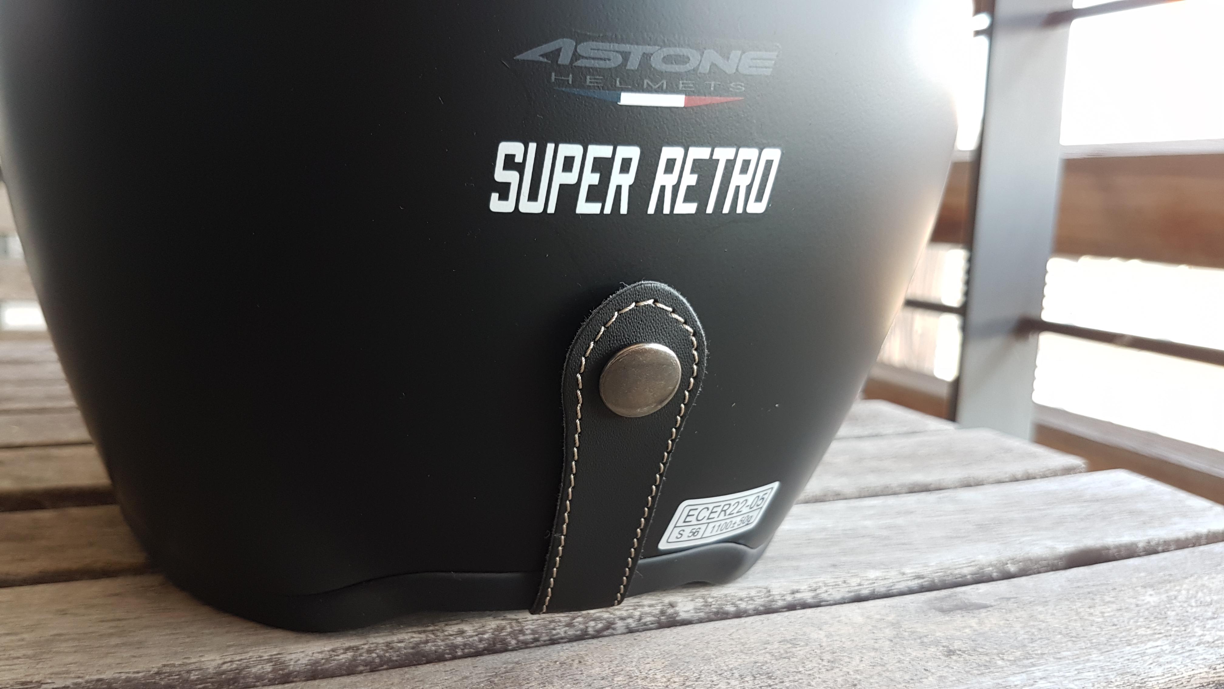 Boucle pour les masques sur le casque Astone SUPER RETRO