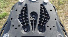 La platine intermédiaire dispose de quatres points pour ancrer le Sw Motech Trax ADV