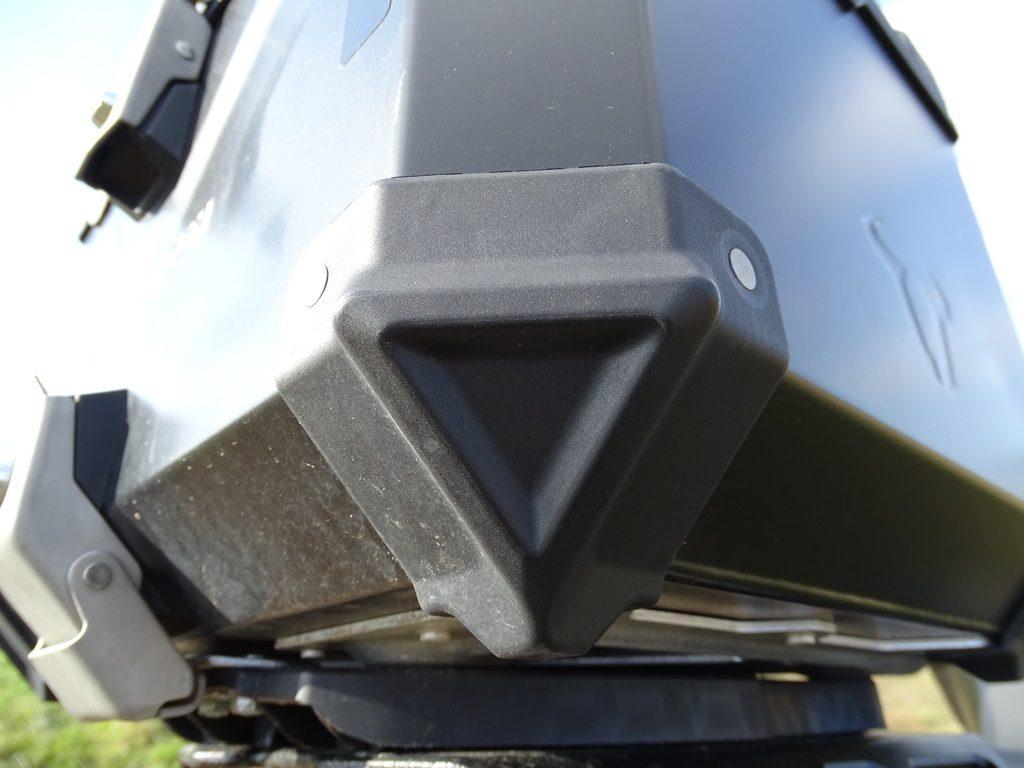 Les angles présentent des renforts en fibre de verre