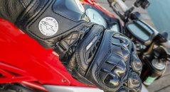 protection des métacarpes sur les gants racing Alpinestars GP Pro