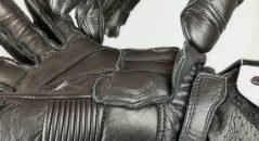Serrage poignet des gants Alpinestars GP Pro
