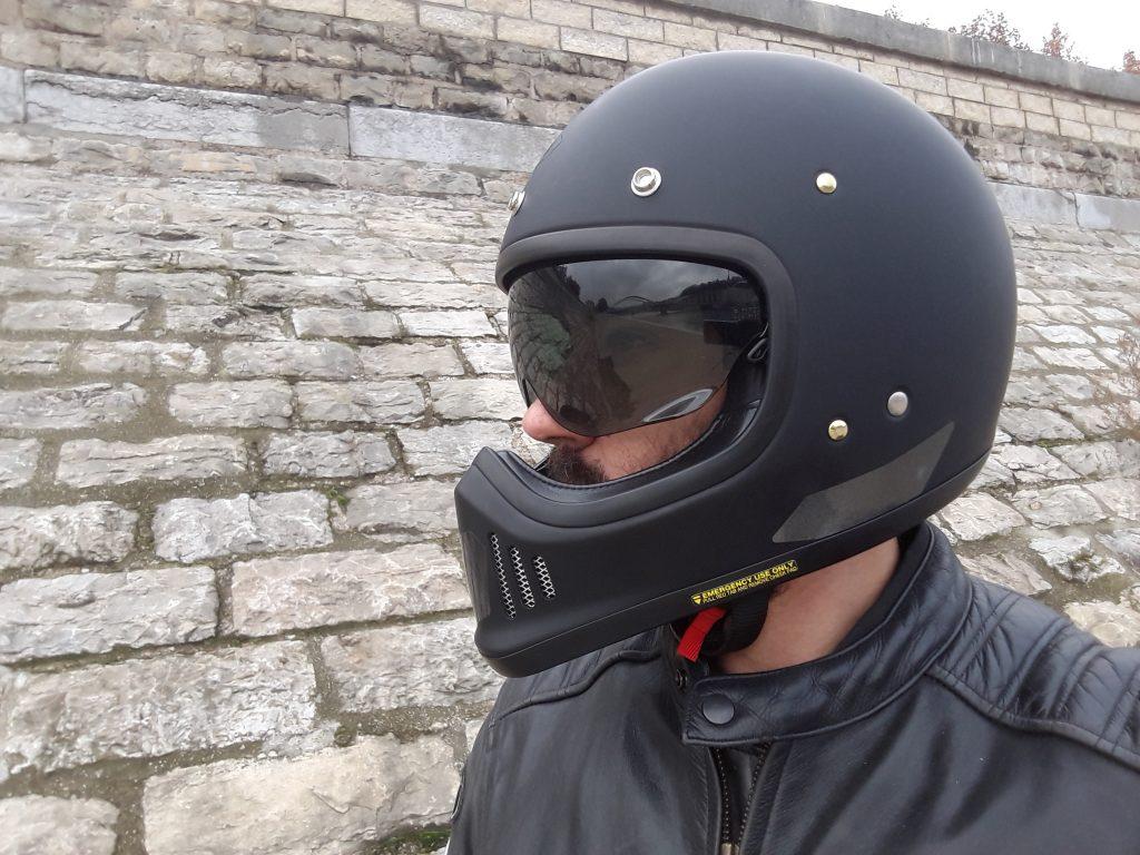 Ecran fumé, protection et look racé pour le casque Shoei EX-ZERO