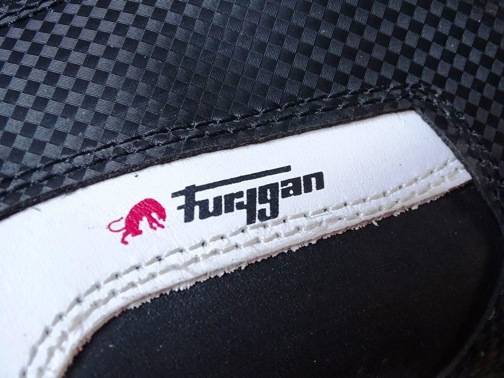 Les empiècements des baskets Furygan Jet D3O Sympatex sont bien réalisés