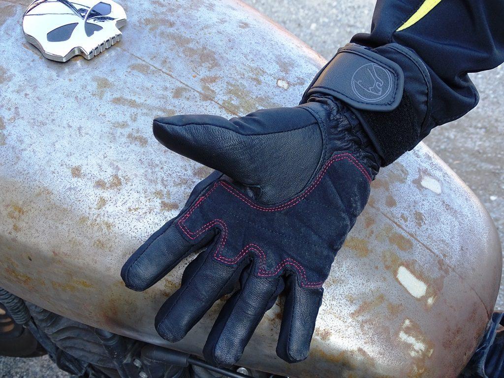 Même s'ils sont épais, les gants hiver Bering Yucca offrent une bonne liberté de mouvement
