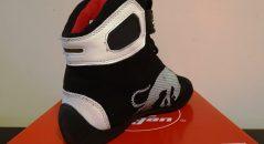 Baskets Furygan Jet D3O Sympatex en coloris noir et blanc