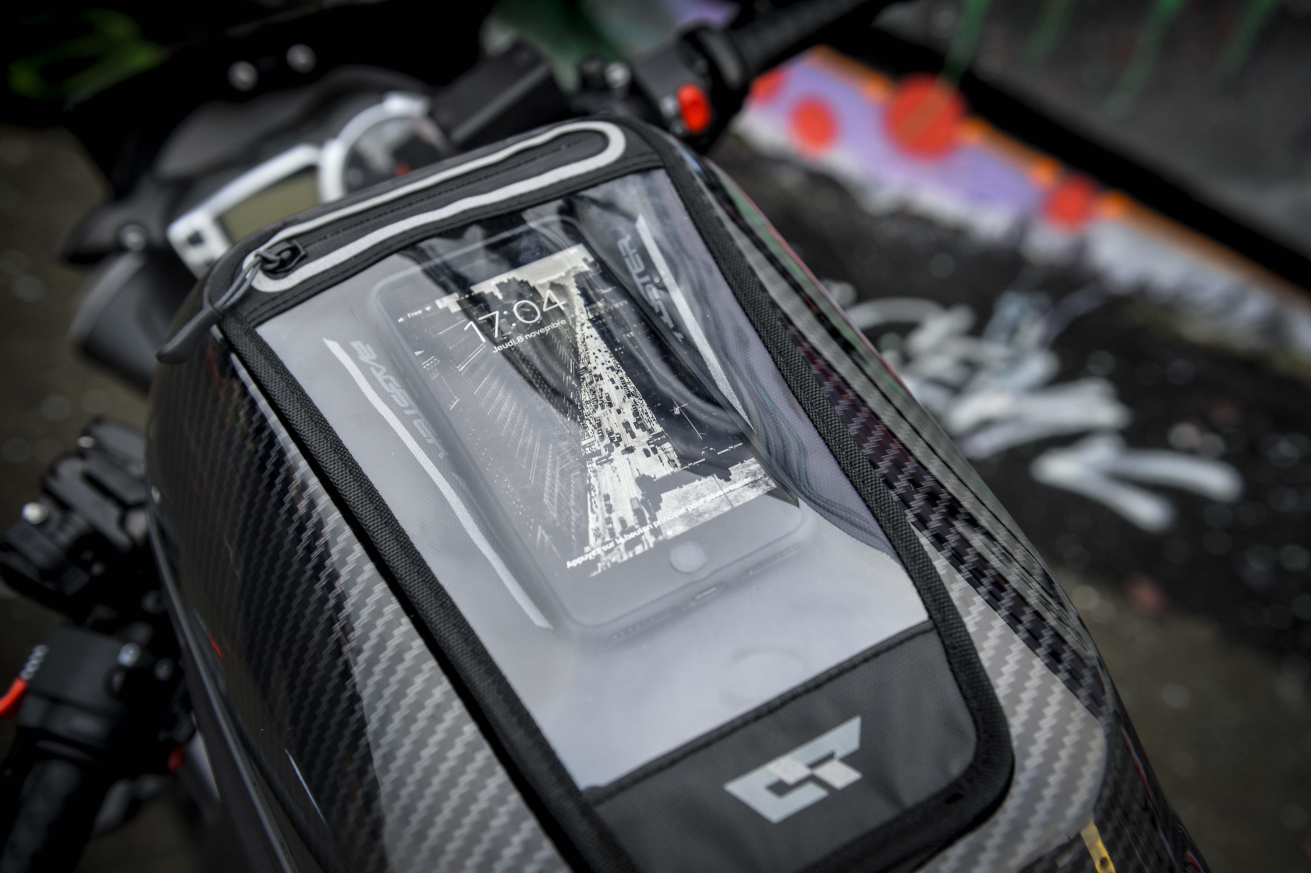 Pochette de smartphone de la sacoche Bagster Carbonrace