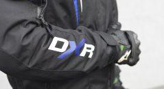 Logo sur le blouson DXR Spanker