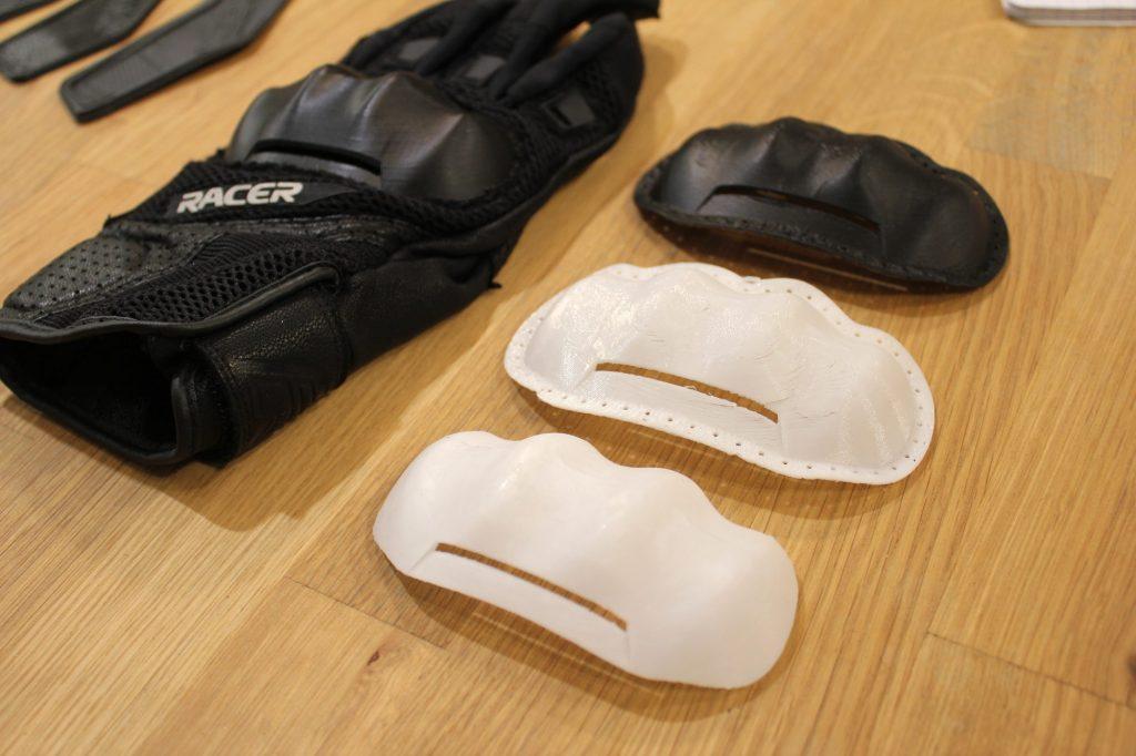 Des prototypes de coques de gants imprimés en 3D