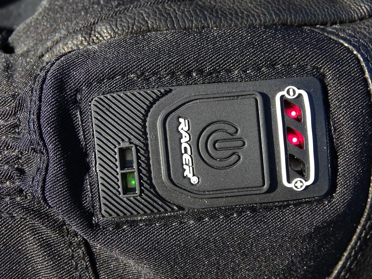 Bouton d'allumage des gants chauffants Racer Connectic 3