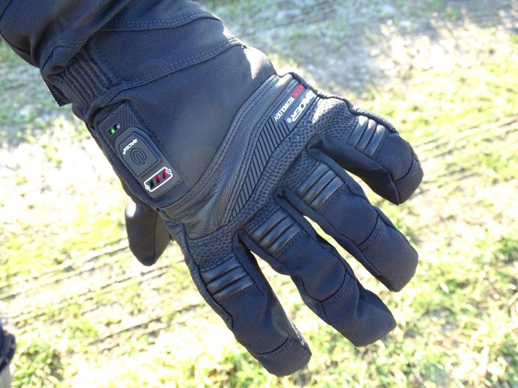 Malgré leur épaisseur, les gants chauffants Racer Connectic 3 sont souples