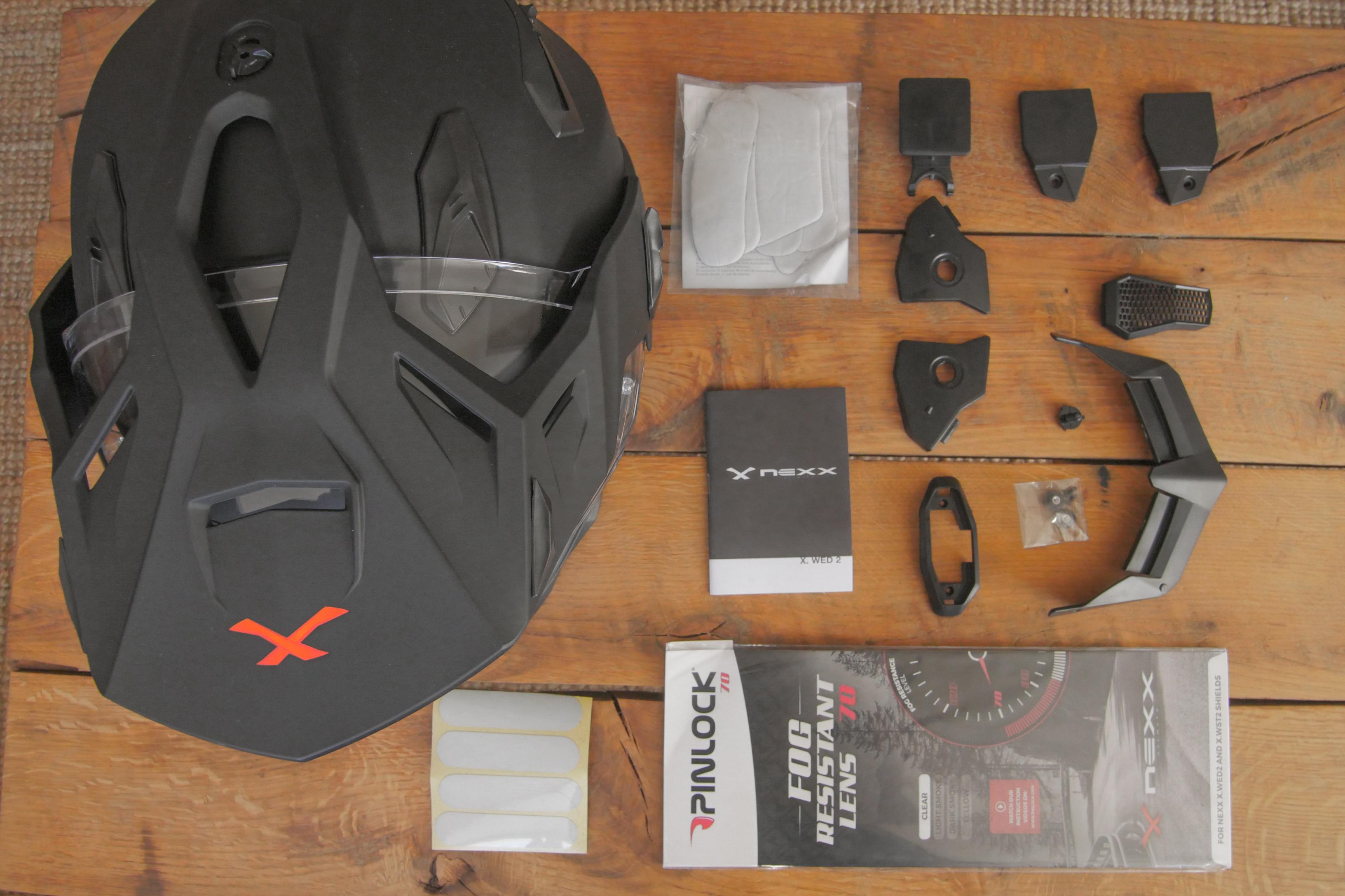 Intérieur de la boîte du casque Nexx X.WED2