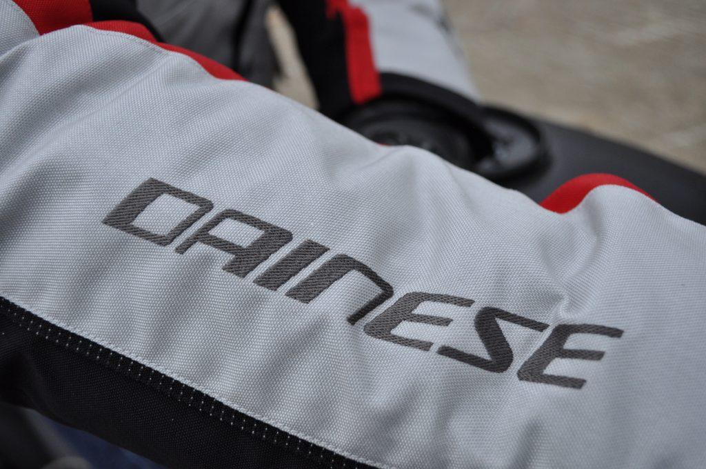Veste Dainese TEMPEST 2 D-DRY : une veste signée de la marque italienne