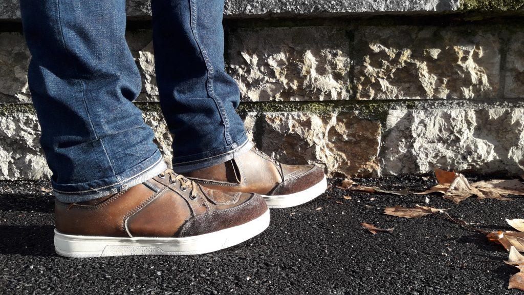 Les chaussures V Quattro X-Urban ont un look plutôt sport
