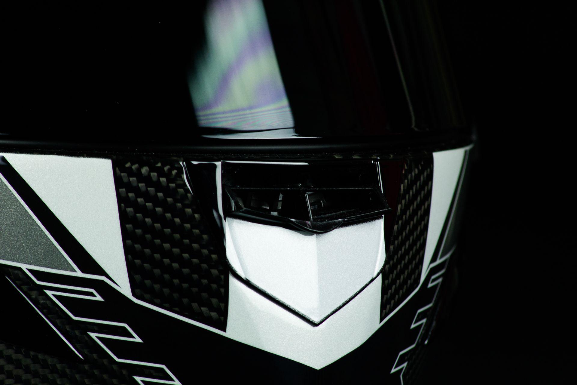 La ventilation mentonnière du casque Shark Race-R Pro GP