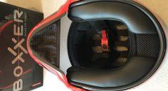 Vision sur l'intérieur accueillant du casque Boxxer