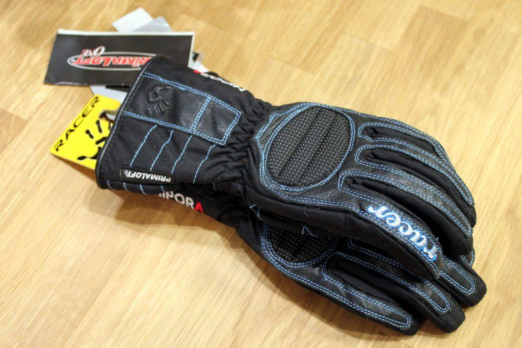 Les années 2000 voient l'apparition du confort moderne dans les gants moto