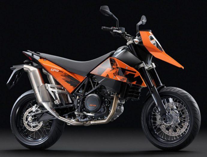 KTM 690 SM parmi les motos moches...