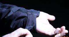 Scratchs de réglage sur le blouson Ixon Cobra