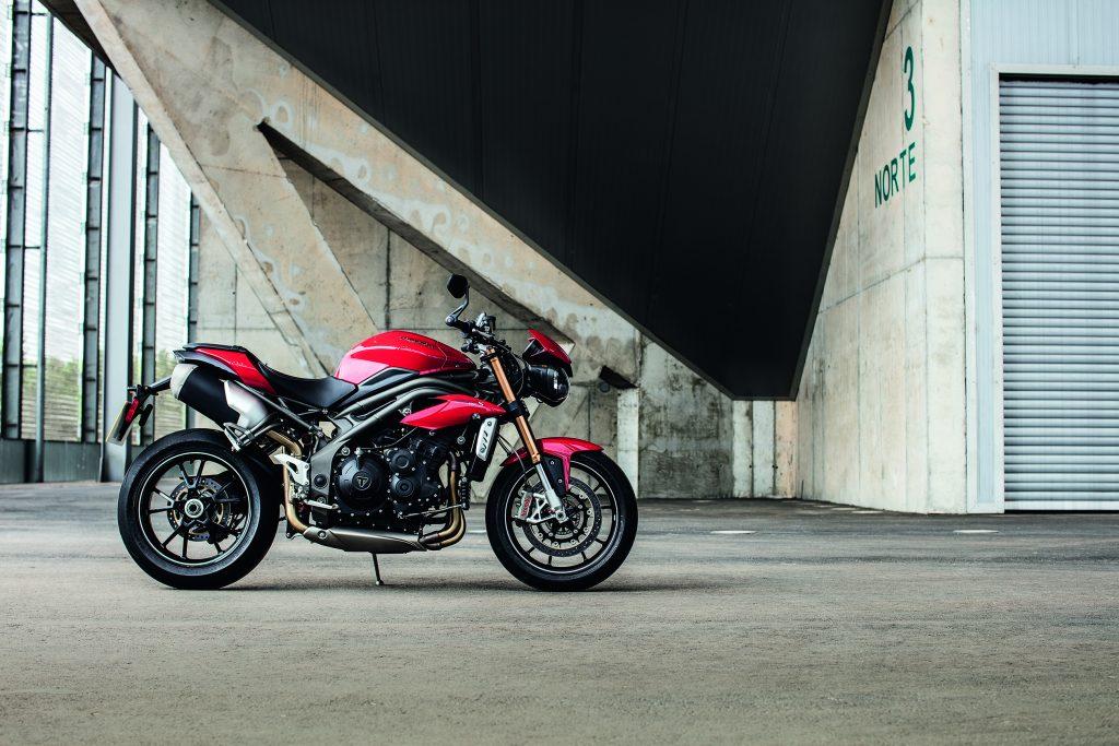 Choisir sa première moto - La Triumph Street Triple S