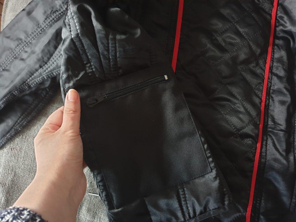 La poche imperméable de la doublure thermique