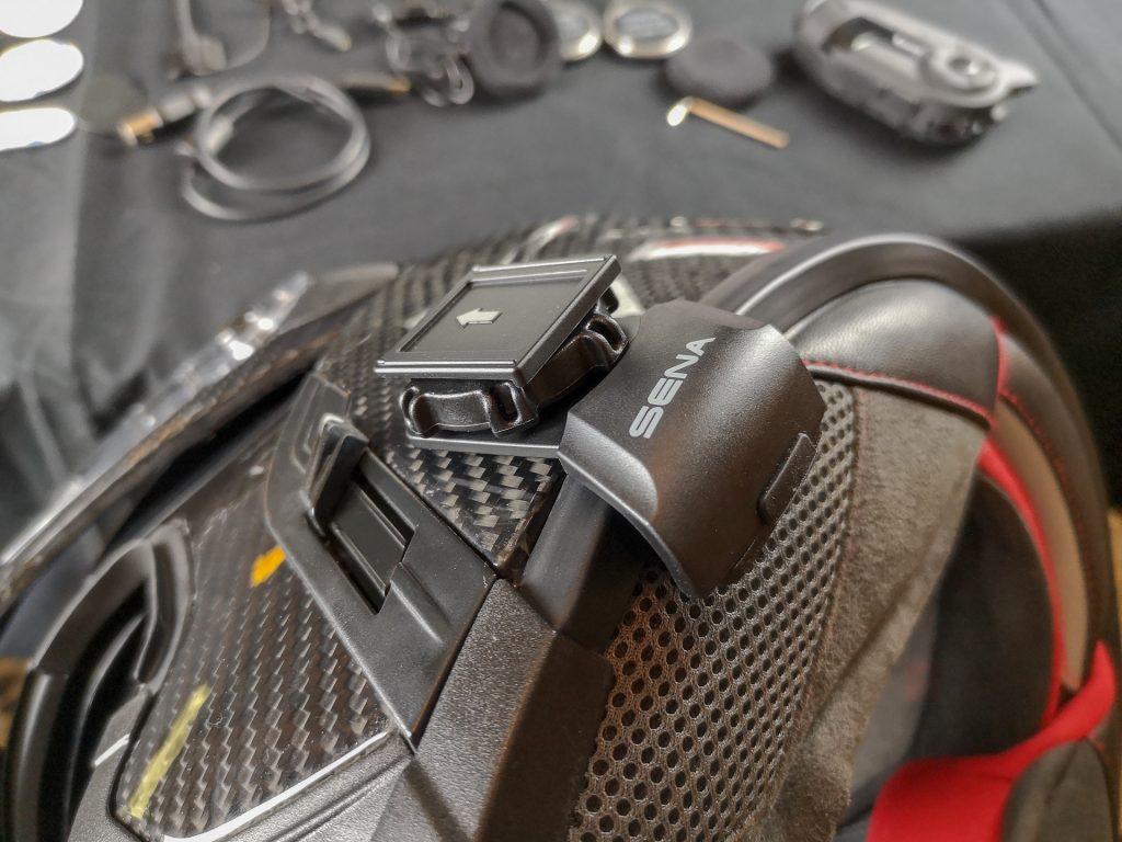 Fixation de la caméra embarquée Sena 10C Pro