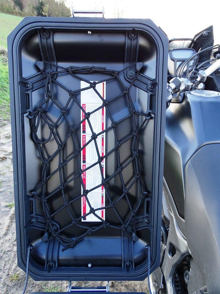 Filet d'araignée en option sur les valises SW Motech Trax Adventure