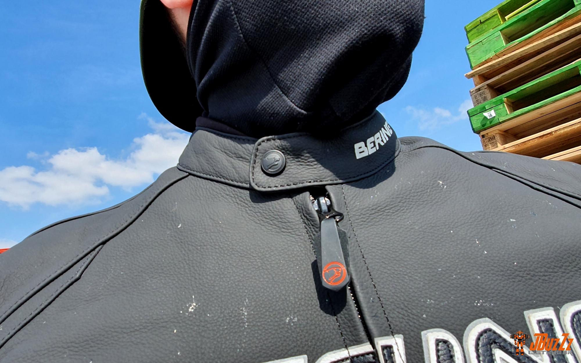 Bouton pression sur le col du blouson Bering Kingston Evo
