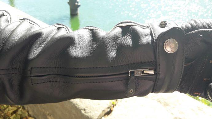 ouverture des manches du blouson cuir DXR Craft