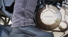 Bottes DXR PAN-AM : pantalon au-dessus ou en dessous