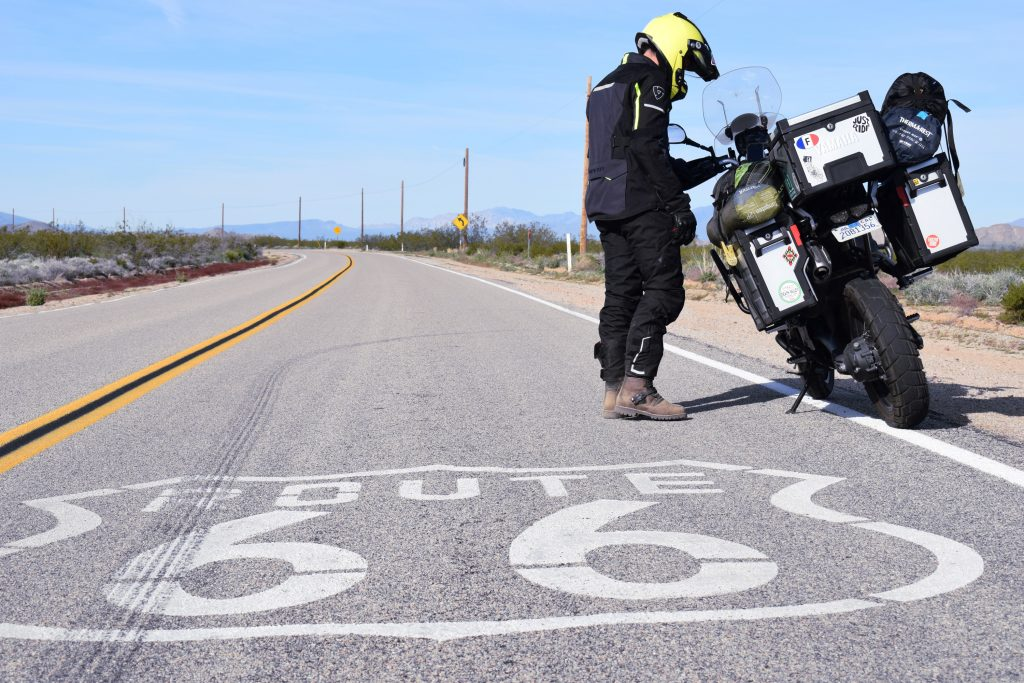 Portion du route 66 avant le Grand Canyon