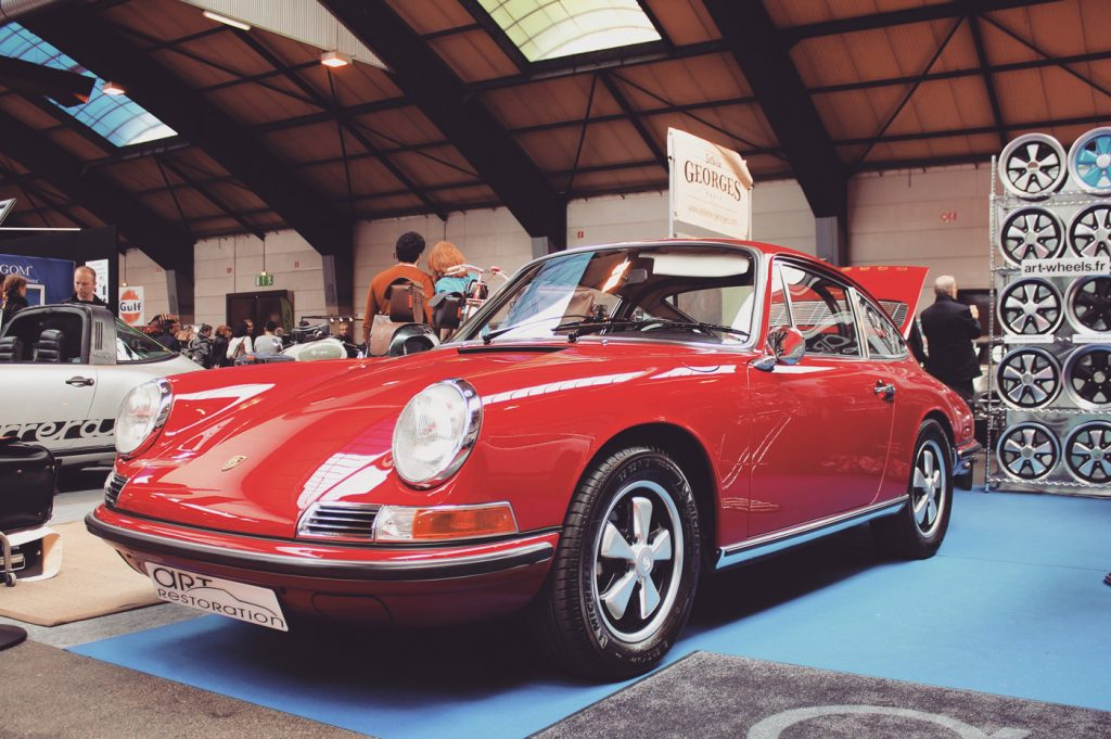 Quelques belles Porsche 911 anciennes, les plus belles pour moi, celles avec leur bonne bouille et leurs grands yeux de grenouilles.