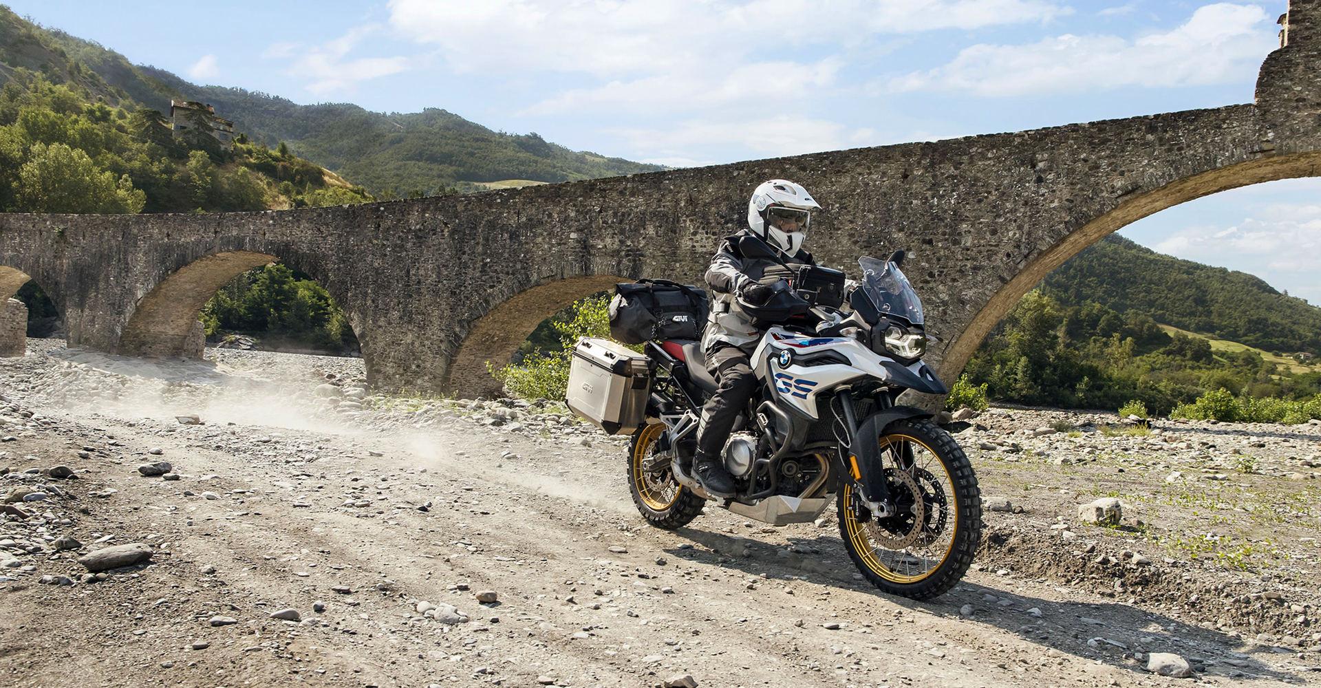 Test moto chargée