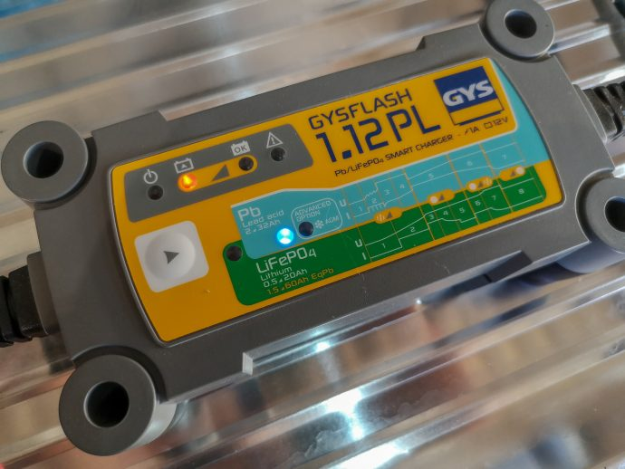 essai du chargeur de batteries GYS 1.12PL