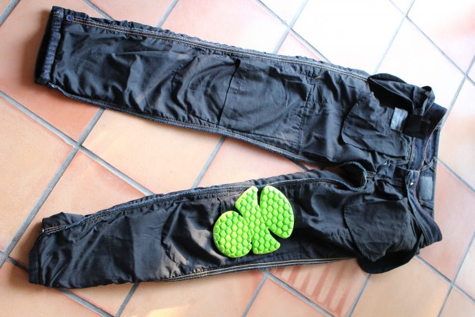 Protections genoux du jean moto DXR Karen
