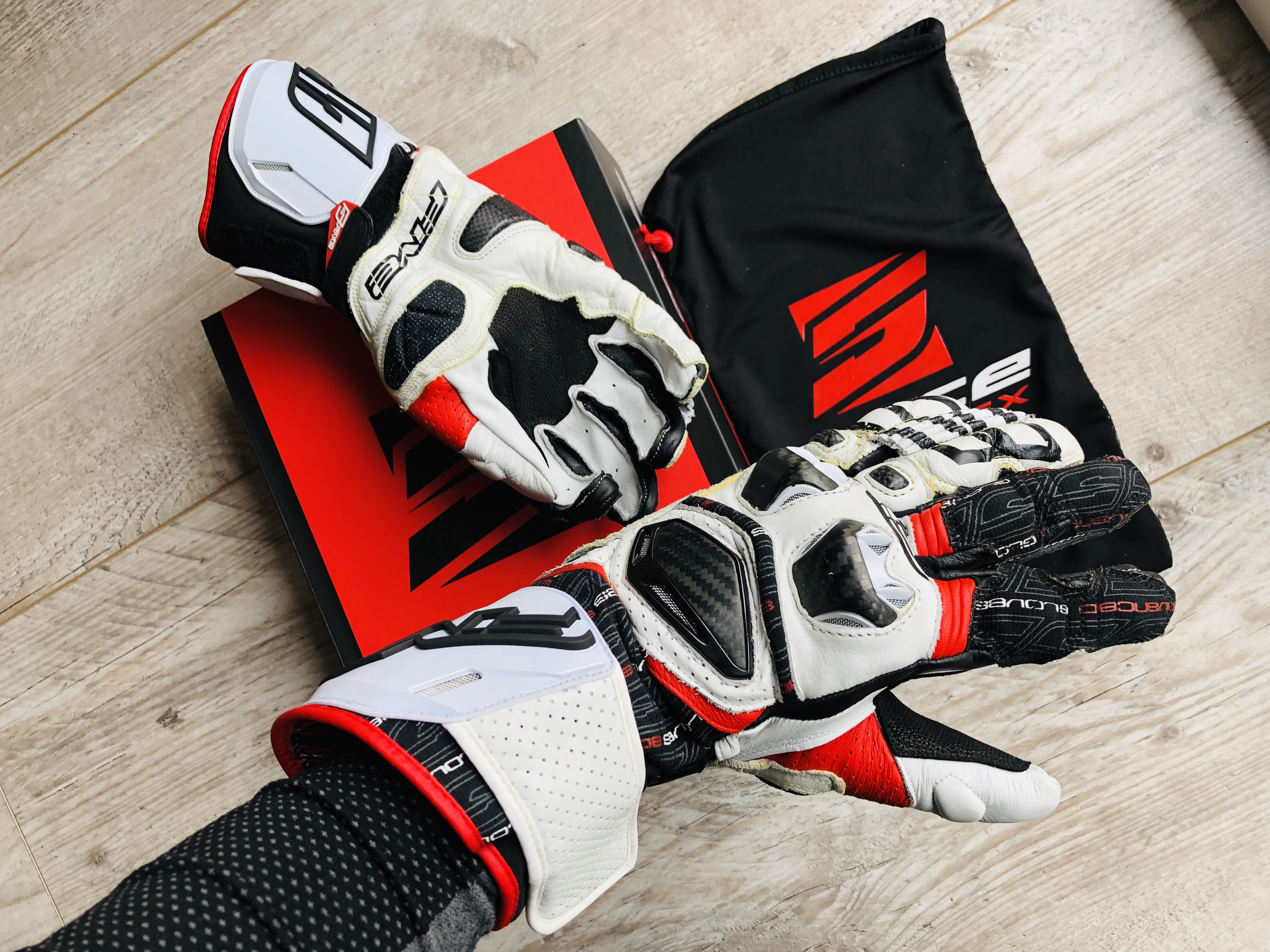 Essai des gants Five RFX Race