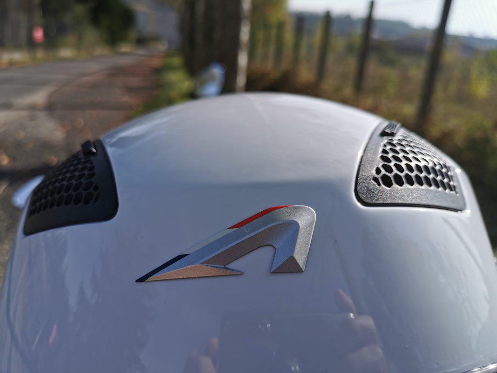 Astone FJ10- détail frontal