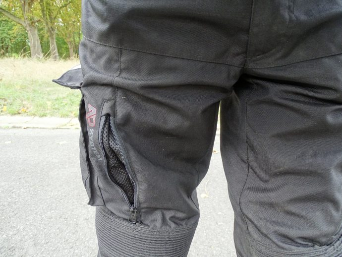 ouvertures et aération du pantalon textile bering california