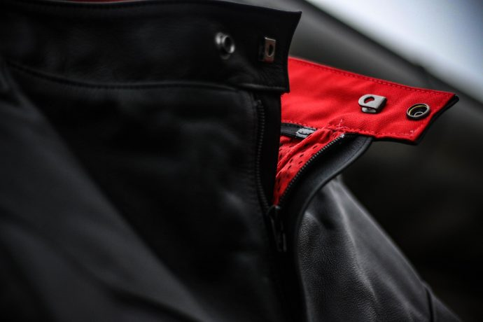 pantalon Segura Kooper : système d'attache