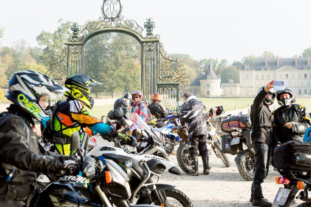 """Les châteaux de la Loire pendant la cocoricorando """"La Royale"""""""