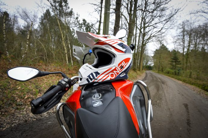 Le casque cross O'Neal 2 Series en off road