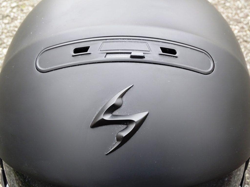 Le système Scorpion Air Channel vient renforcer une ventilation très présente de base.