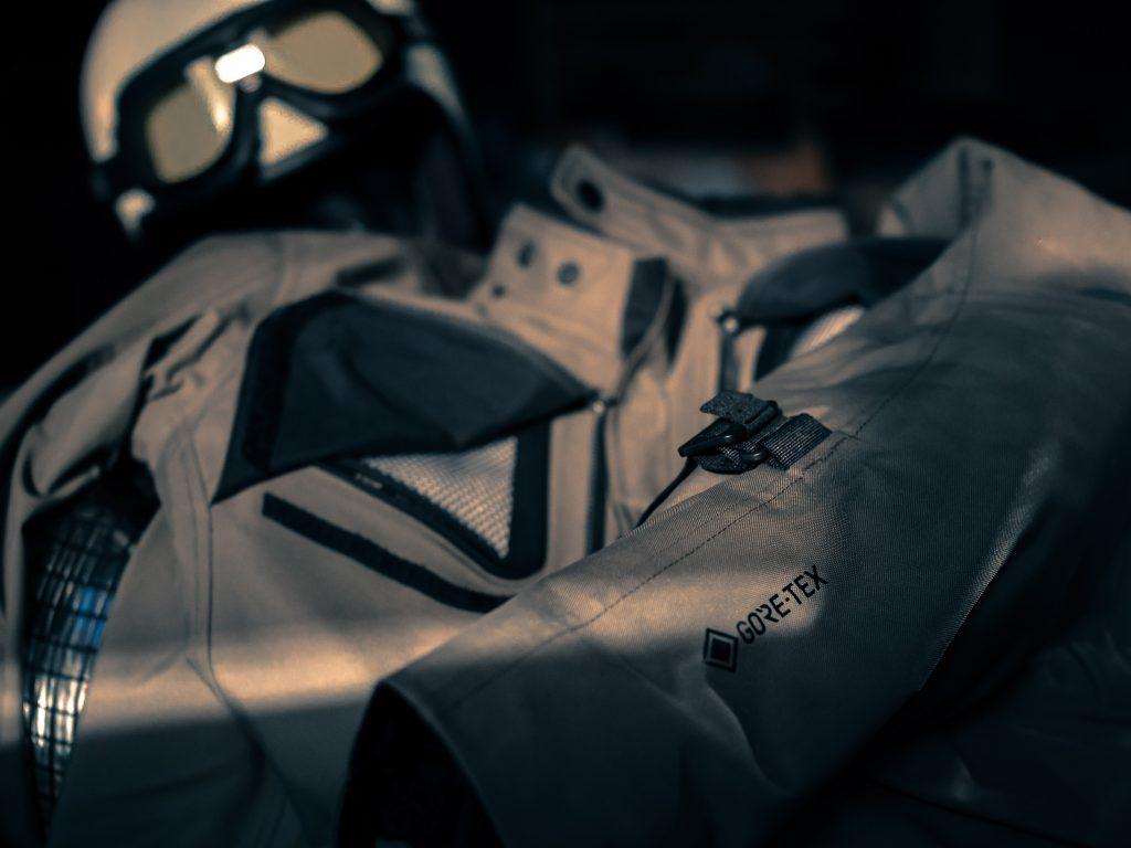 Equipement Gore-Tex : la veste Rev'it Trench GTX